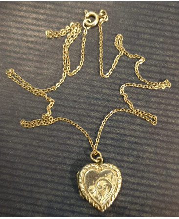 Silver heart locket with 20cm chain